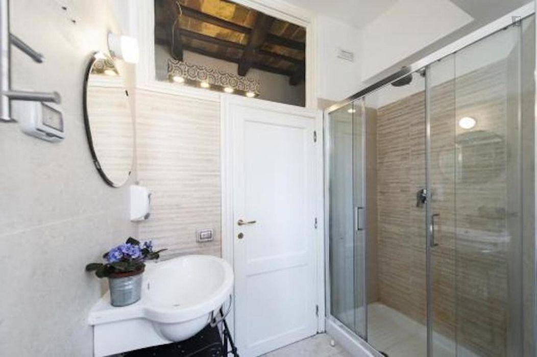 Spacious 3-bedroom apartment in Trastevere