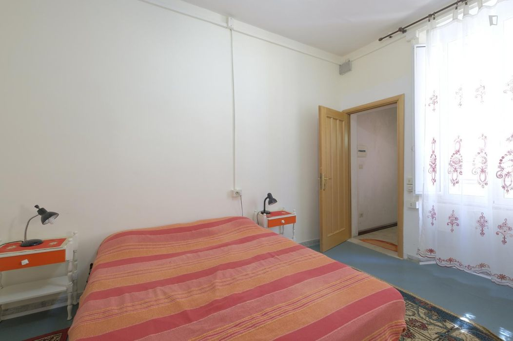 Spacious studio in Monti neighbourhood midway between Termini and Colosseum