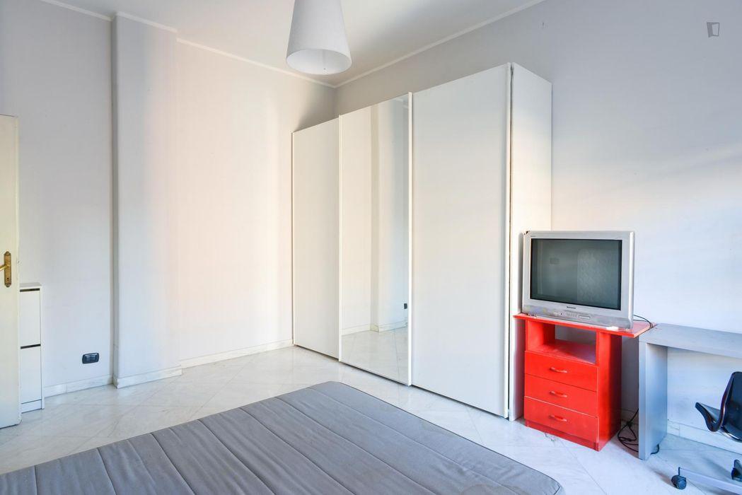 Bright and cosy double bedroom in Quartiere XVI Monte Sacro