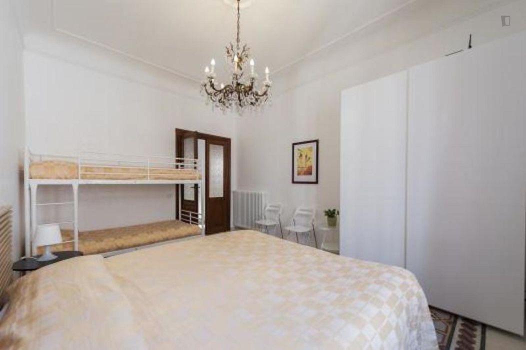 Bright 2-bedroom apartment in Trastevere