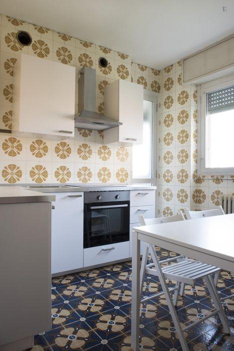 Appealing double bedroom in Baggio - Bisceglie