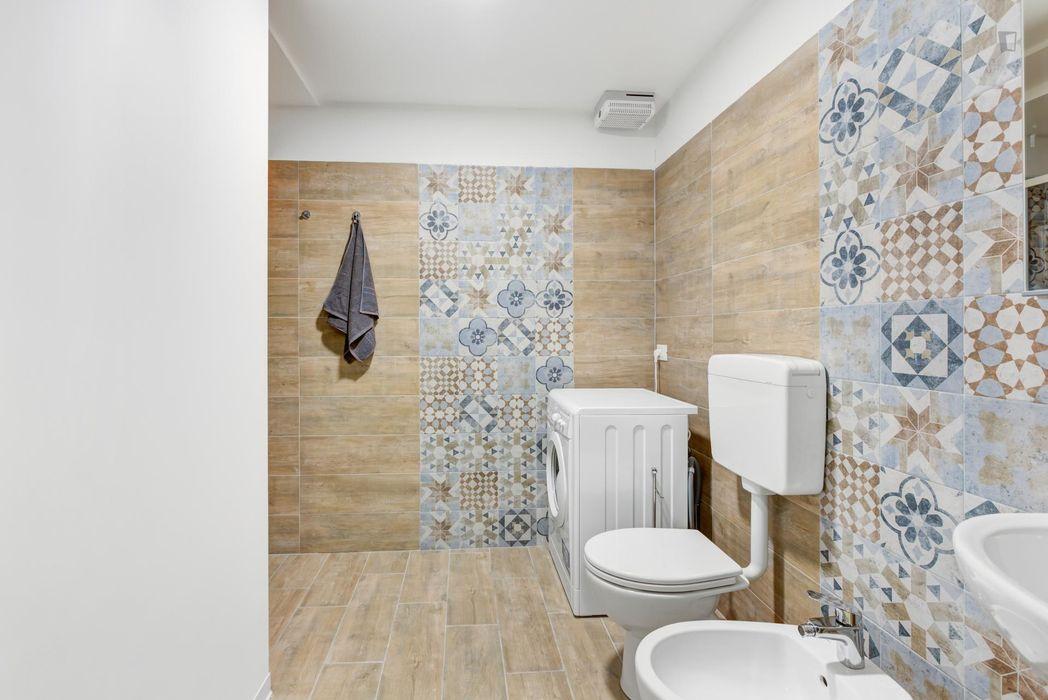 Snug double bedroom near Udine metro station