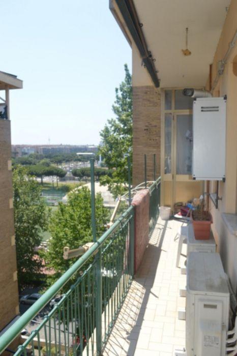 Double bedroom in a 3-bedroom apartment near Scuola di Economia e Studi Aziendali of Università degli Studi di Roma Tre