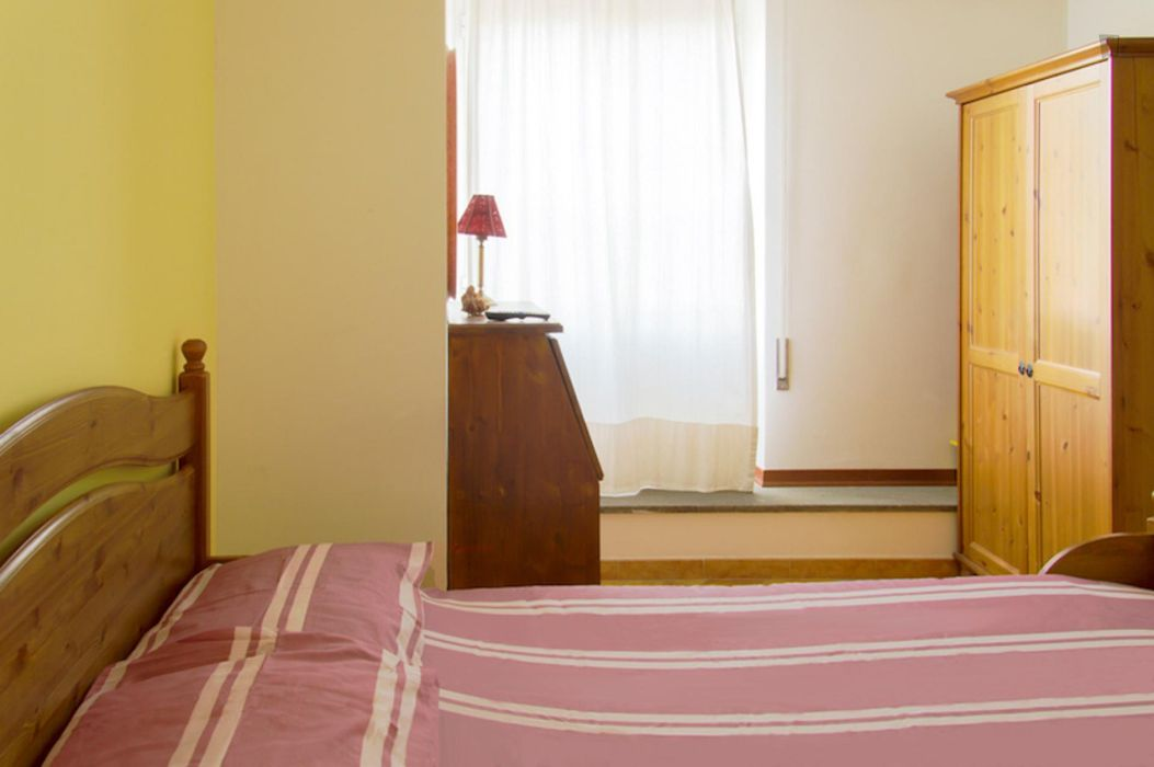 Elegant double ensuite bedroom in a bed & breakfast in Quartiere XX Ardeatino