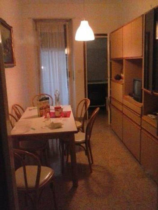 Snug single bedroom close to Corvetto metro station