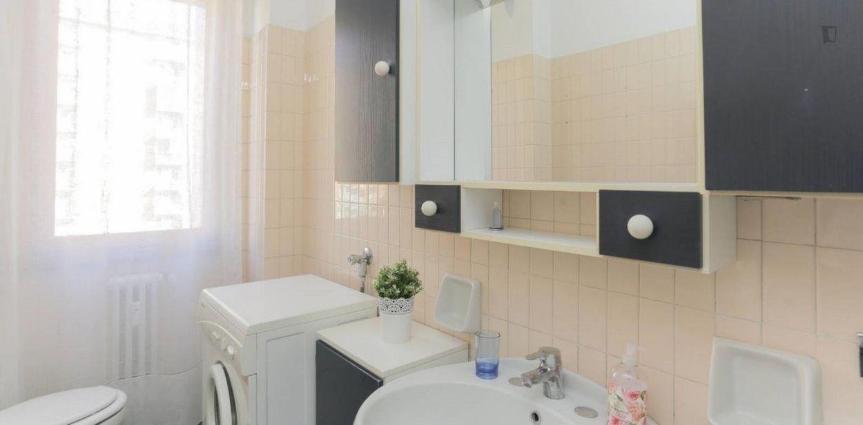 Attractive single bedroom near the Famagosta metro