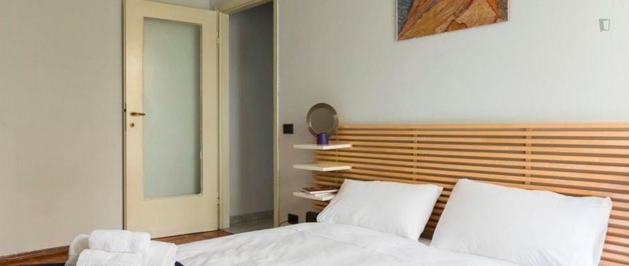 Snug and bright 1-bedroom apartment in Sempione-Fiera