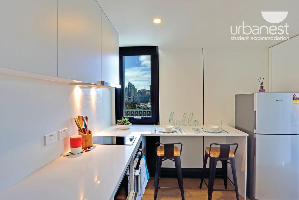 urbanest Darlington deluxe studio kitchen