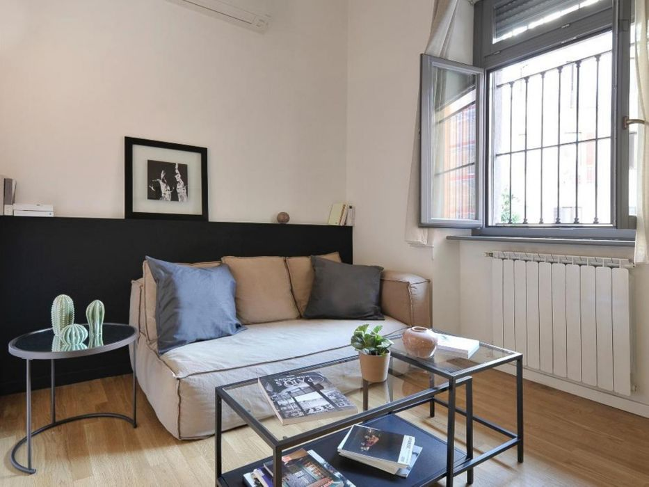 Stunning 2-bedroom apartment near the Caiazzo metro
