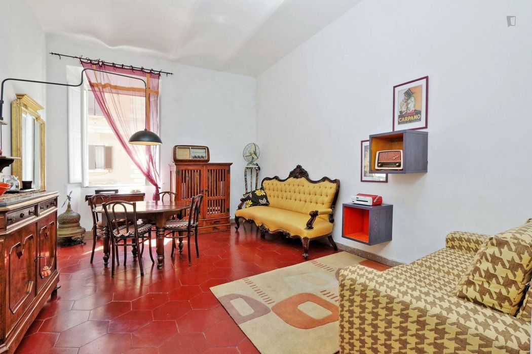 Charming 2-bedroom apartment in Prati