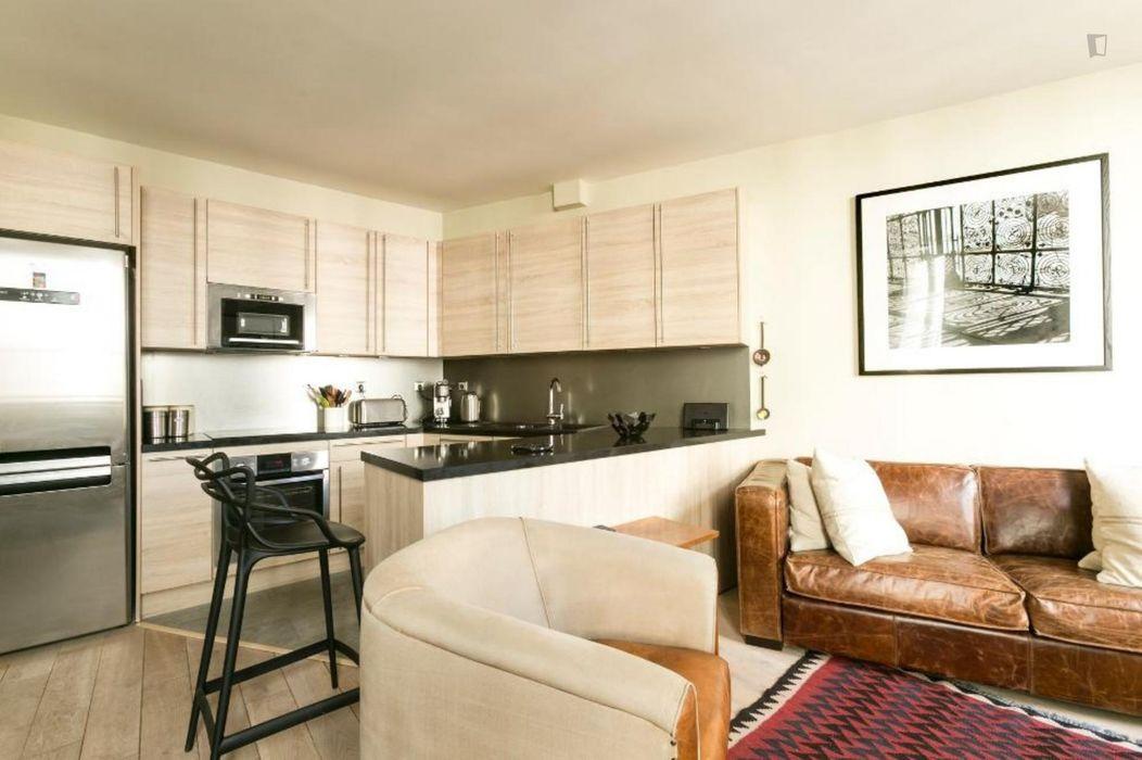 Modern 1-bedroom apartment near the Ledru-Rollin metro