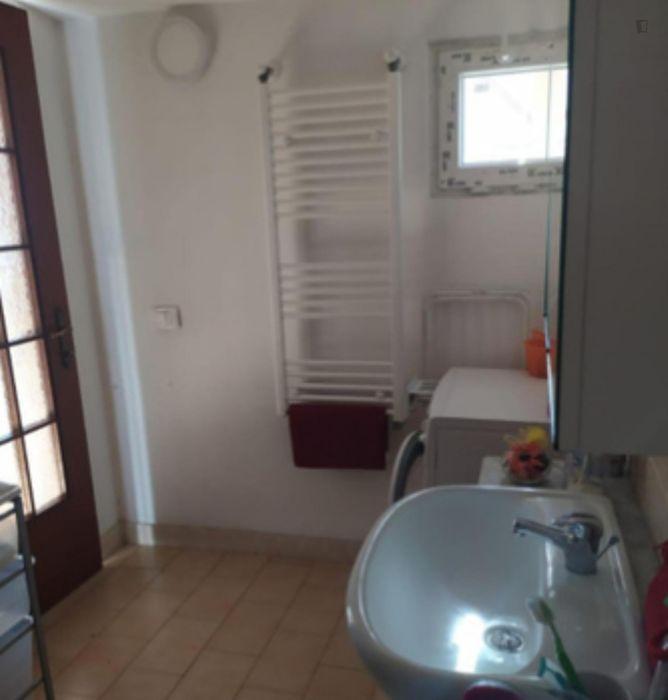 Cosy single bedroom in Tor Vergata Neighborhood