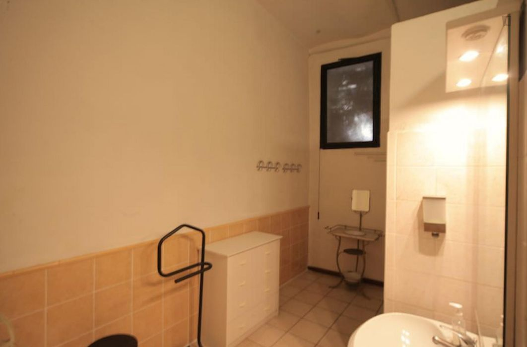Classy 2-bedroom apartment near Novate Milanese train station