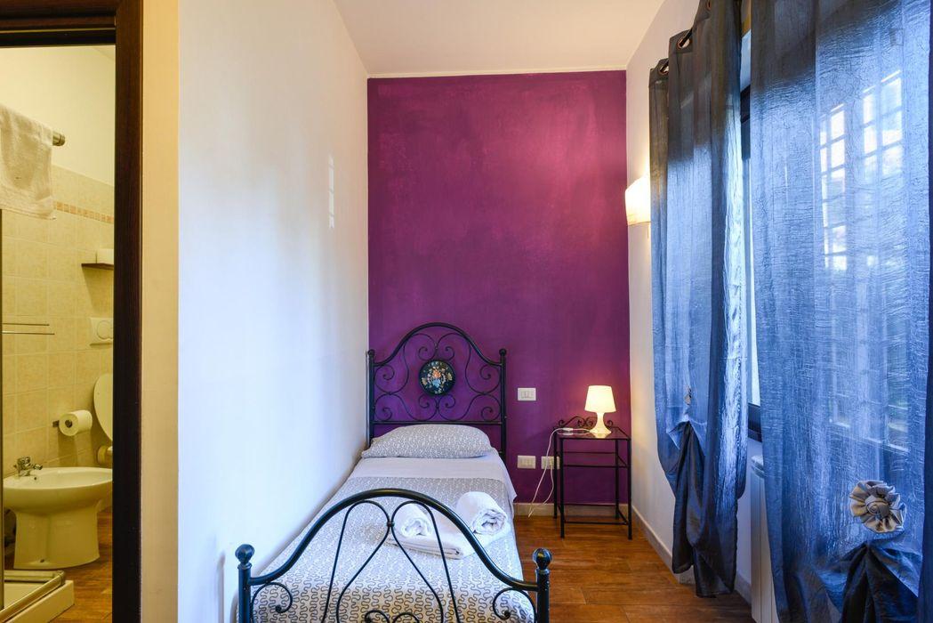 Single ensuite bedroom close to Città del Vaticano