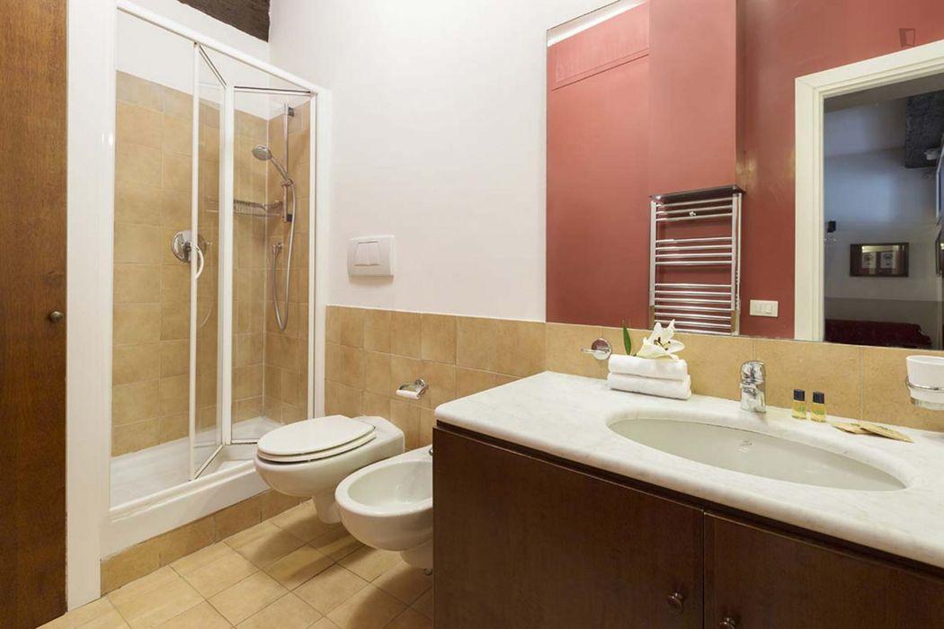 Elegant 2-bedroom flat in Rione V Ponte