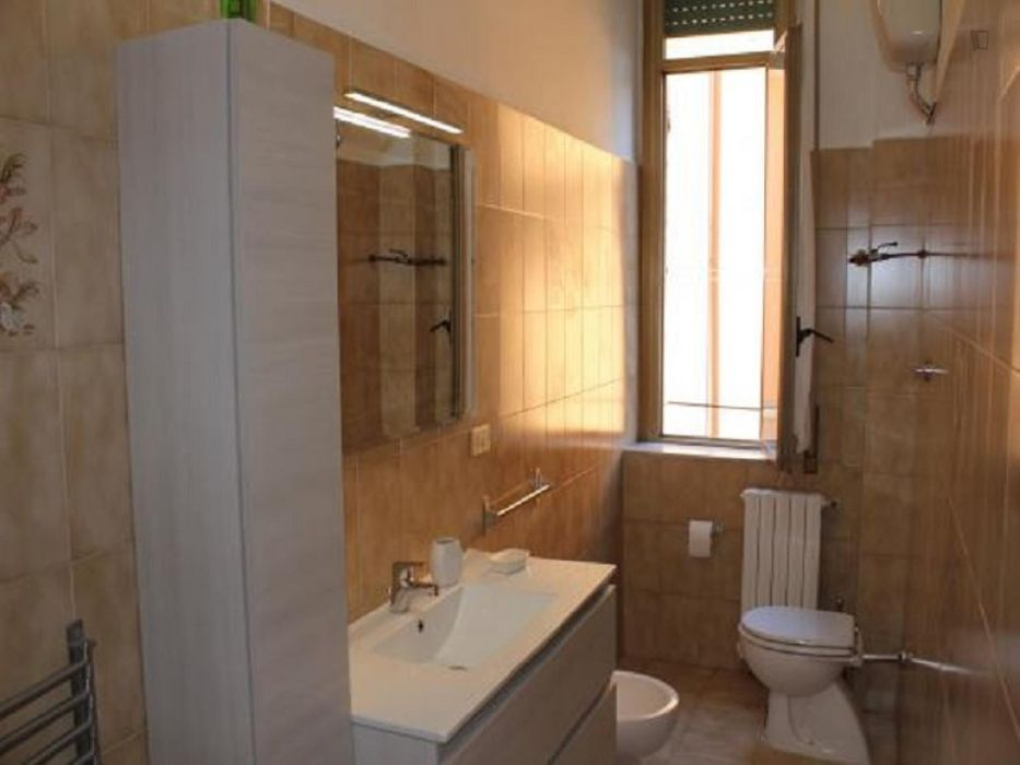 Homely 3-bedroom flat close to Ottaviano metro station
