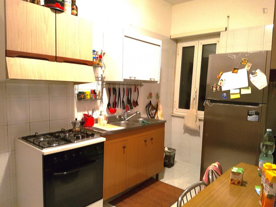 Lovely double bedroom near Torre Gaia metro station