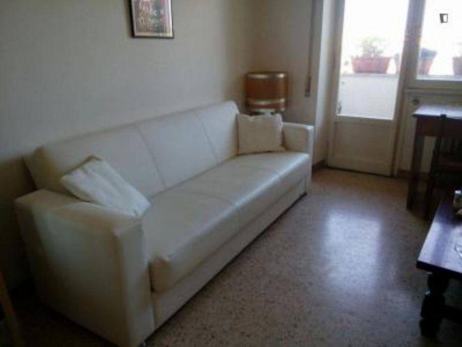 Single bedroom in Prenestino neighbourhood