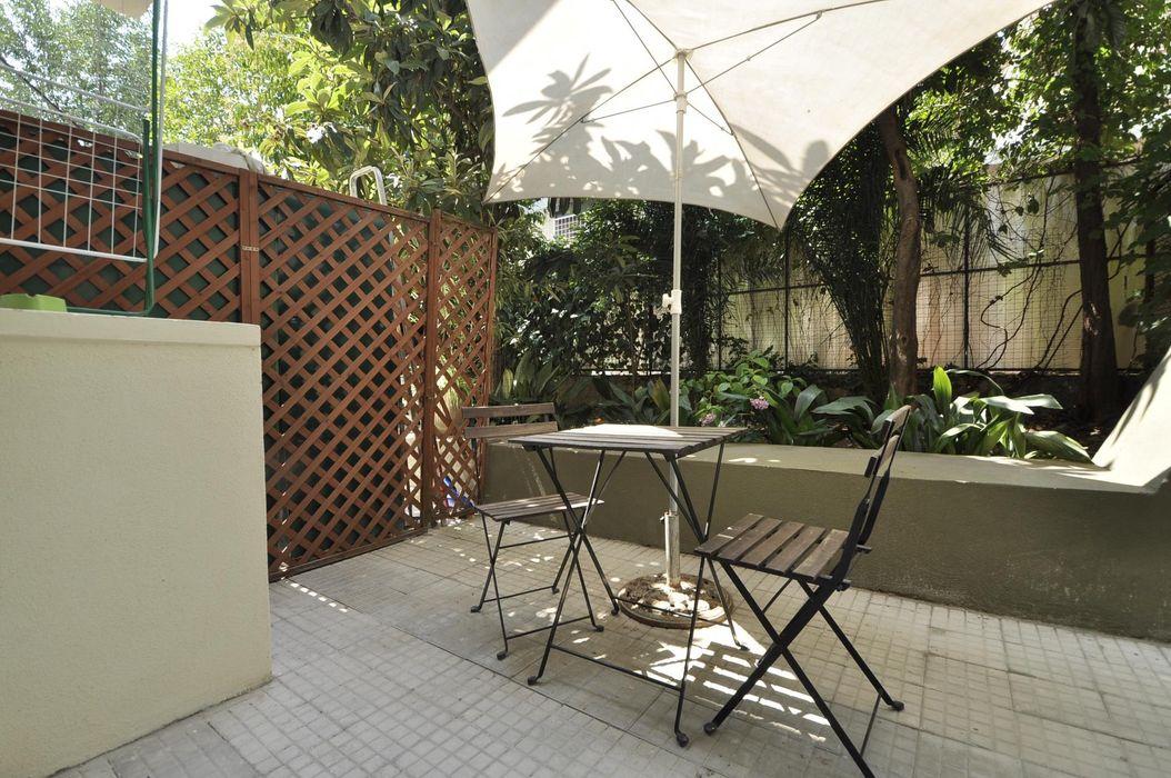 Noble studio apartment in the Trastevere area