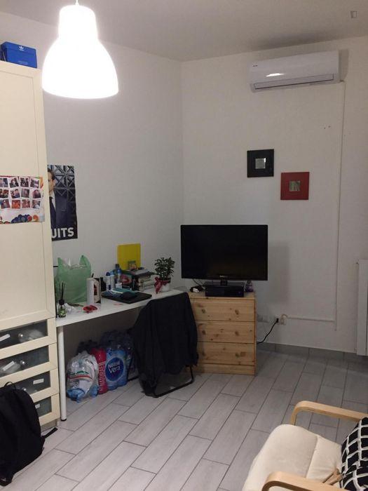 Homely 2-bedroom flat in Trieste