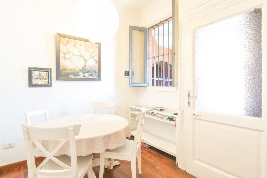 Cosy single bedroom in Ticinese