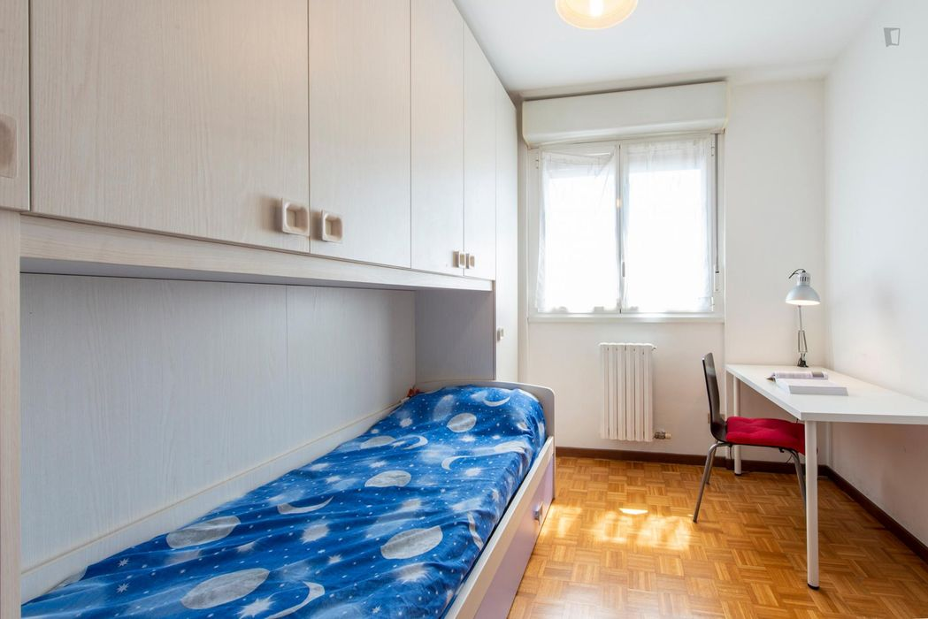 Luminous single bedroom close to Bicocca university
