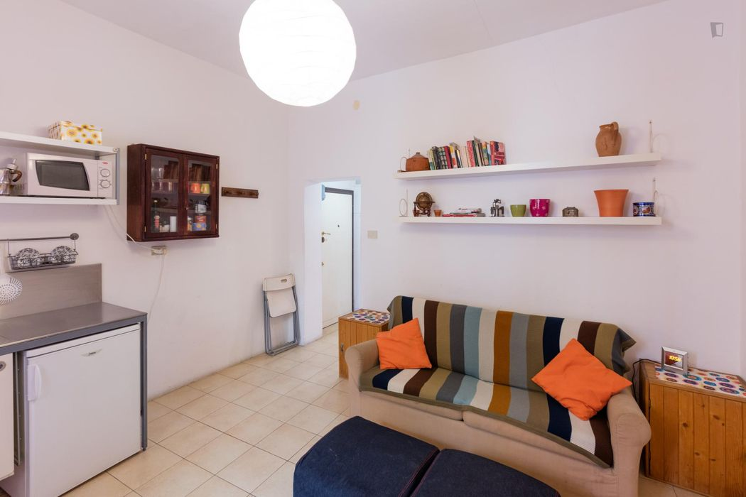 Trendy 1-bedroom apartment close to S. Elena train station