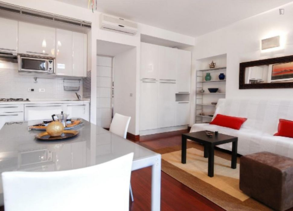 1-Bedroom apartment in the hip Stazione Centrale neighbourhood