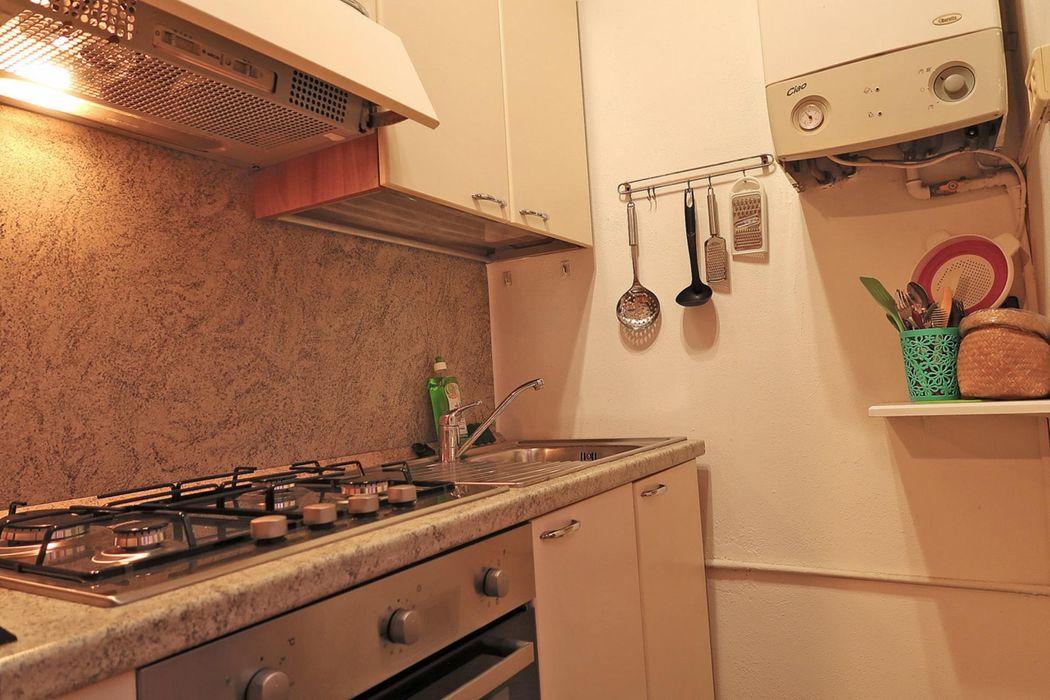 Cozy and quiet 1st floor studio flat 30m / 325ft