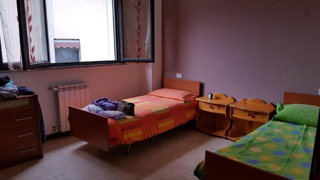 Single bed in a cosy twin bedroom close to ESN Milano-Bicocca