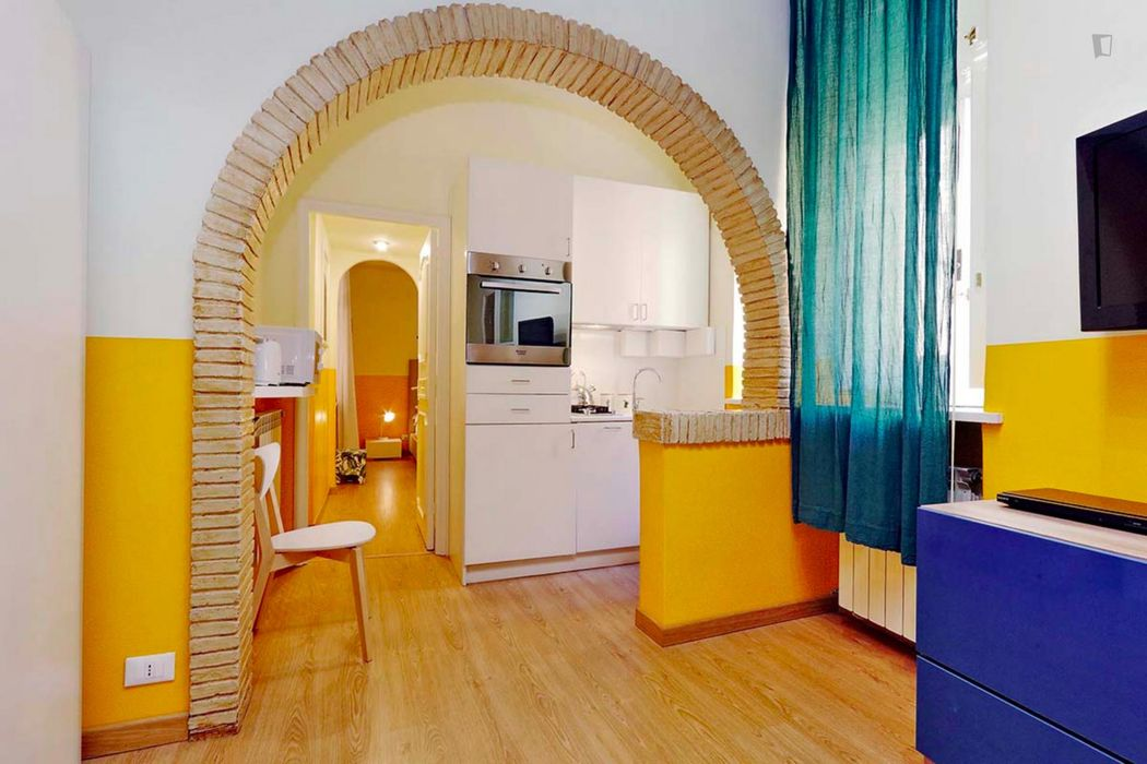 Lovely 1-bedroom flat in Rione V Ponte