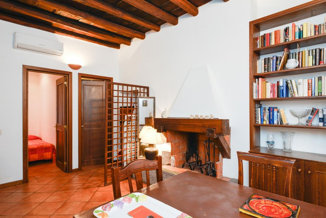 Ample apartment in Trastevere