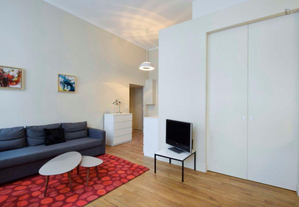Bright & modern 1-bedroom apartment near Strasbourg - Saint-Denis subway stop