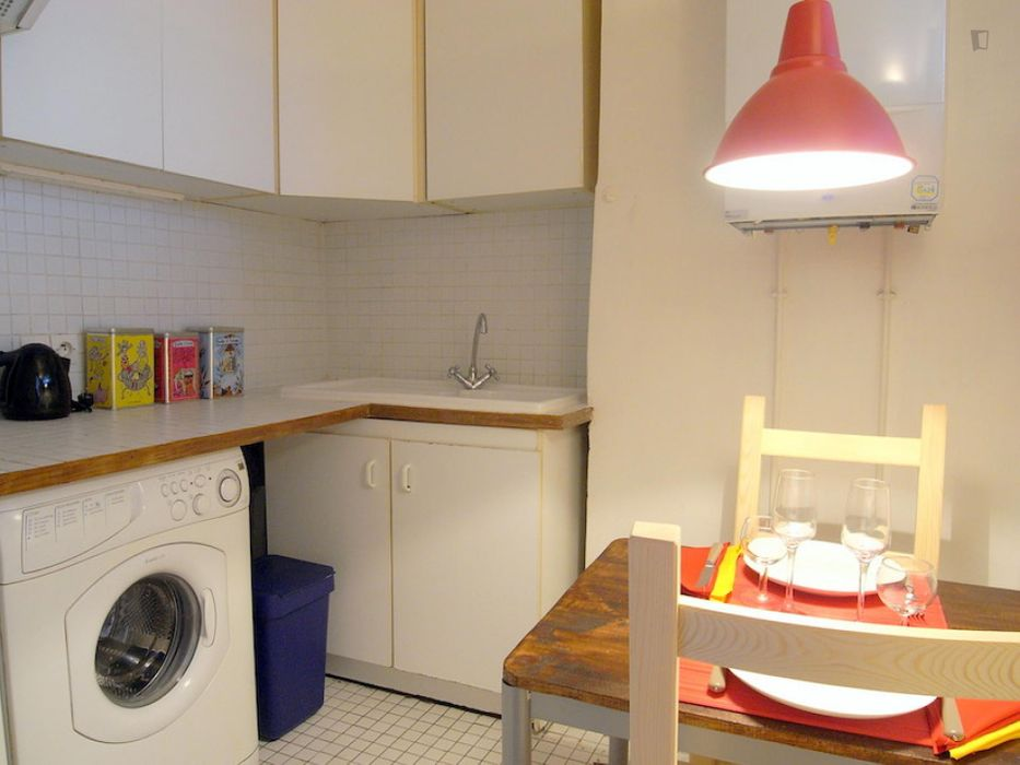 Homely 1-bedroom apartment minutes away from Le Jardin du Luxembourg