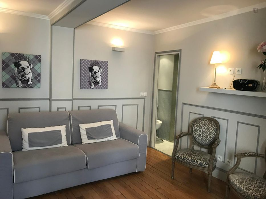 Well located 1-bedroom apartment in Paris