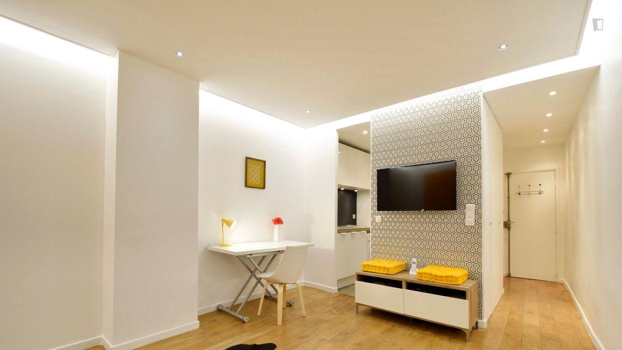 Amazing studio in 2e - Bourse