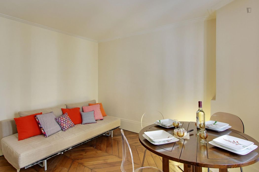 Unique apartment, fully-equipped, in Bourse