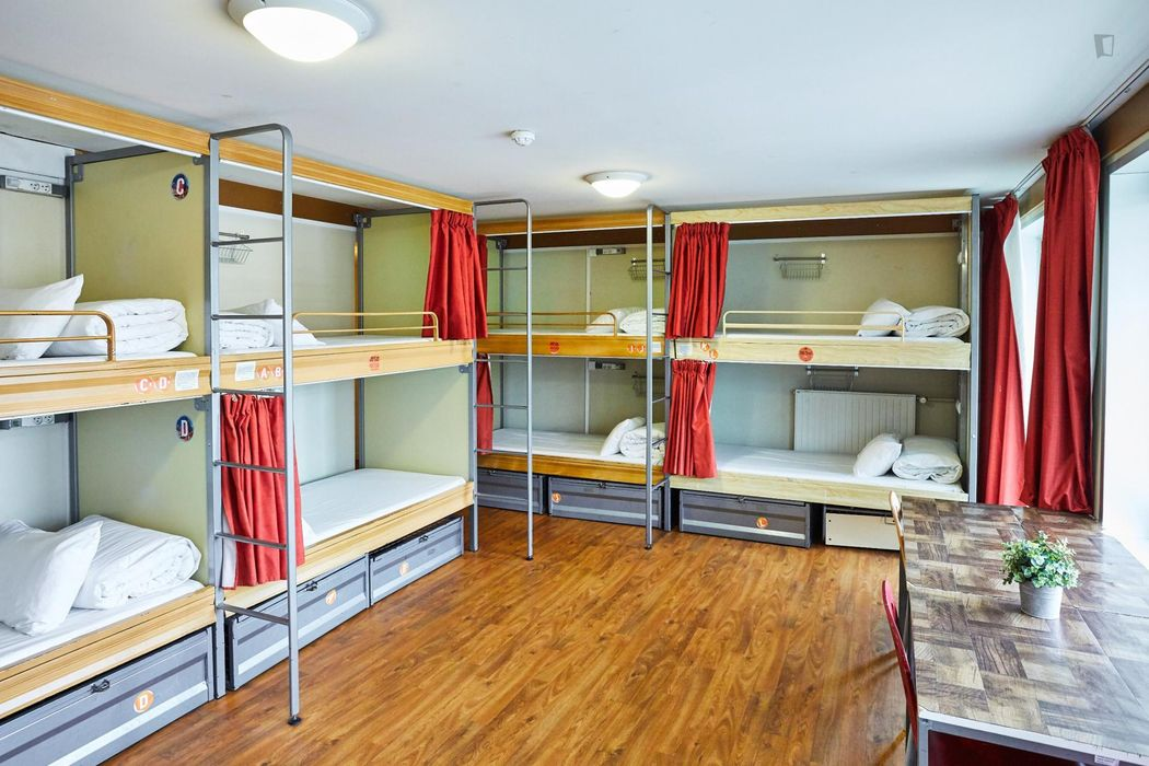 Nice single bed in a 12-Bed Dorm in a residence near Riquet metro stop