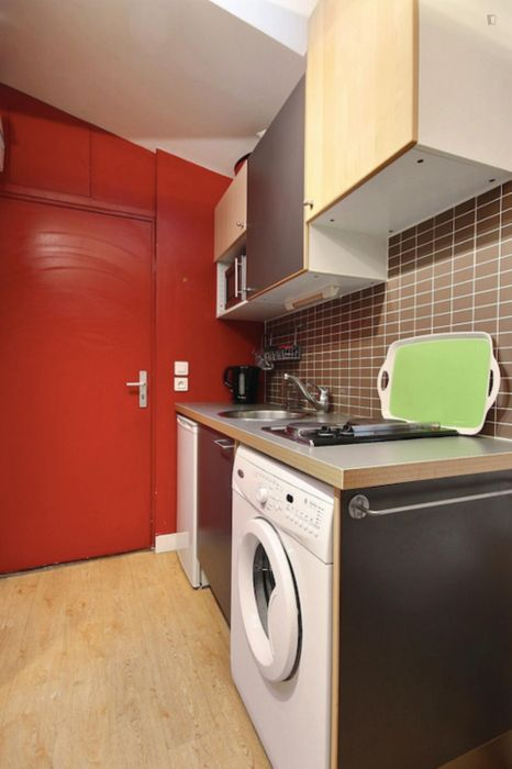 Cozy 1-bedroom apartment in Paris, near Pigalle subway station