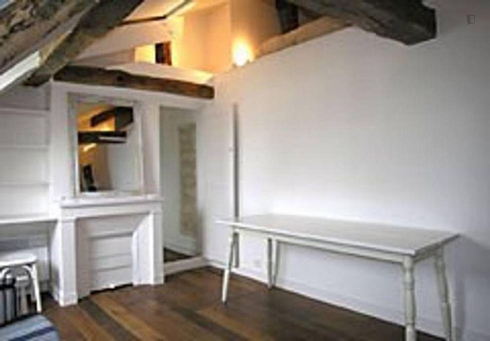 Cosy 1-bedroom apartment near Place de la Madeleine