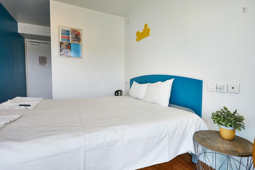 Bright double bedroom in a residence near Riquet metro stop