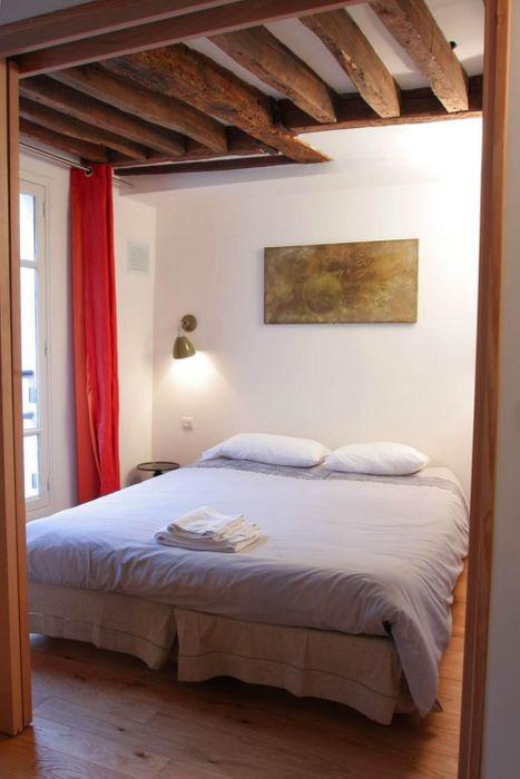 Luminous double bedroom apartment in Bourse