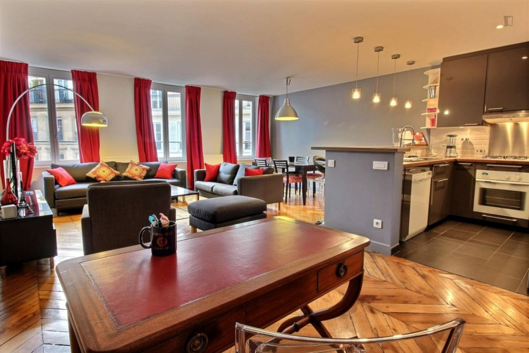 Modern and bright double bedroom apartment in Bourse