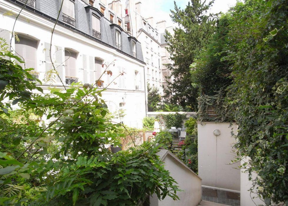 Pleasant 2-bedroom apartment near Trocadéro