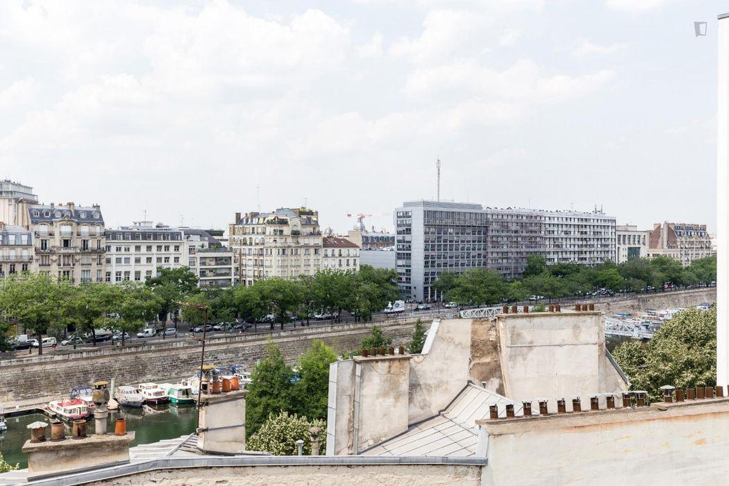 Studio moderne pour 2 personnes à Bastille en face de Gare de Lyon Paris 12ème