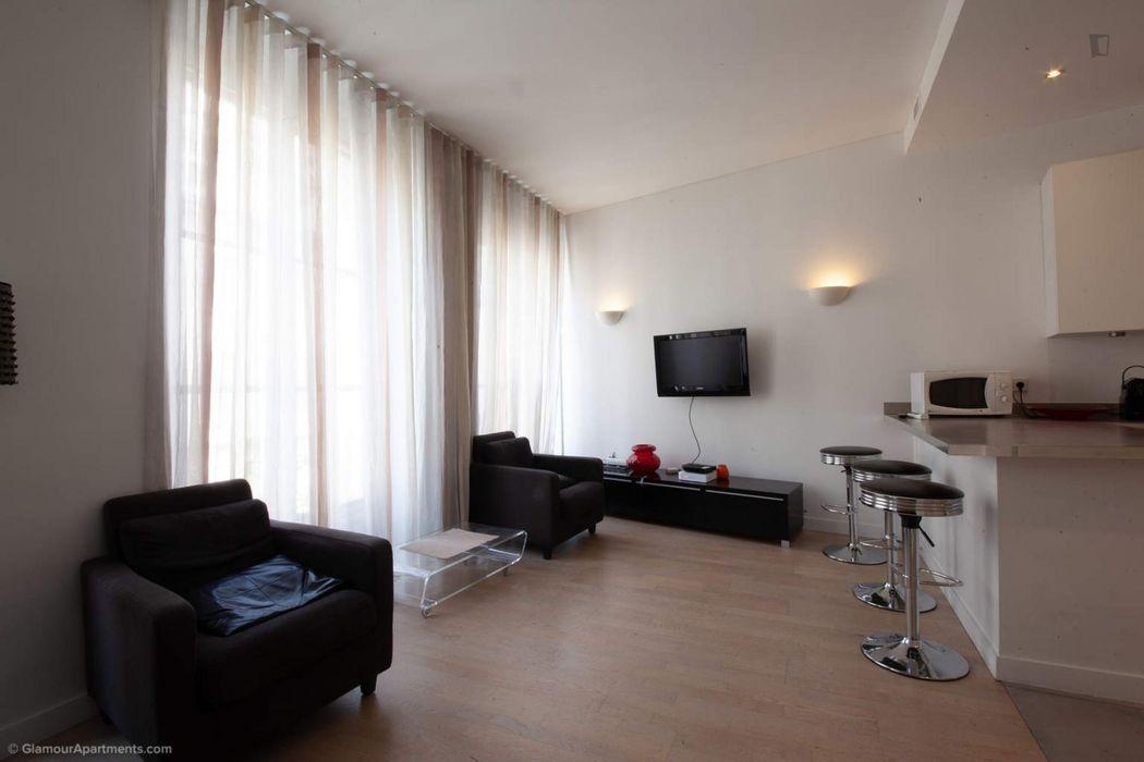 Large and modern 1-bedroom flat in Palais-Royal neighbourhood