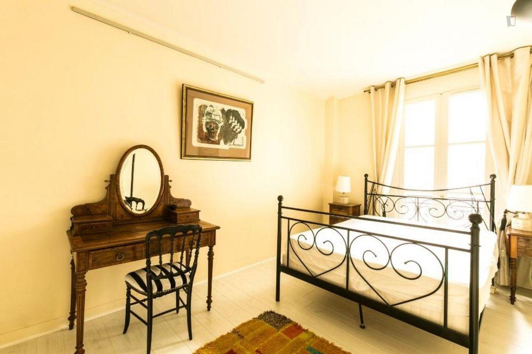 Charismatic 1-bedroom apartment near Avenue Émile Zola metro