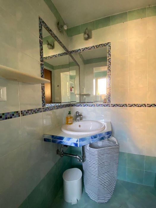 Twin bedroom in a 2-bedroom apartment near Porta Saragozza