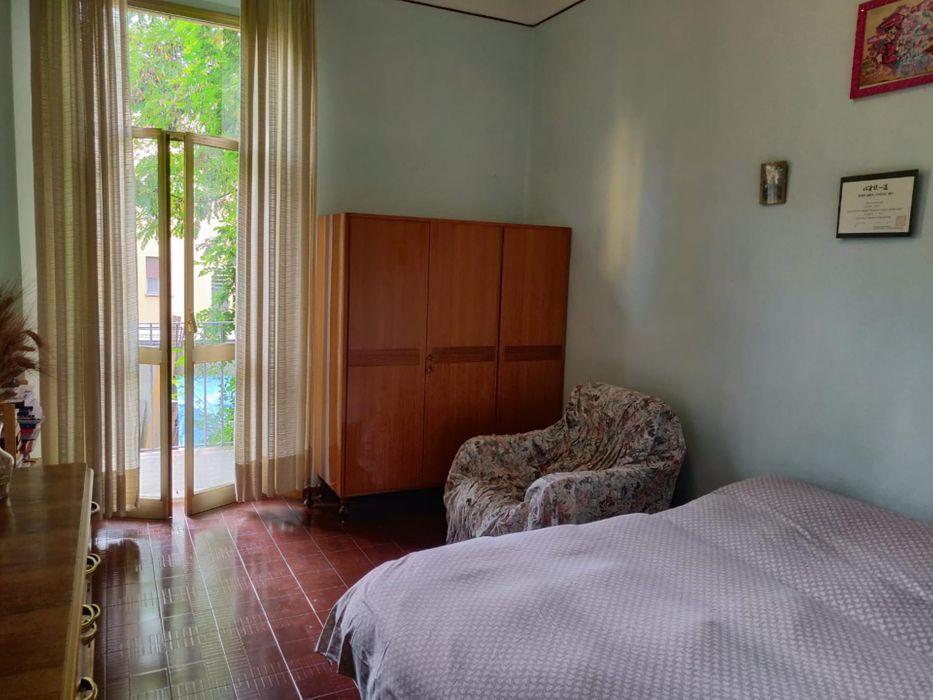 Double bedroom in a 4-bedroom apartment near Parco della Montagnola
