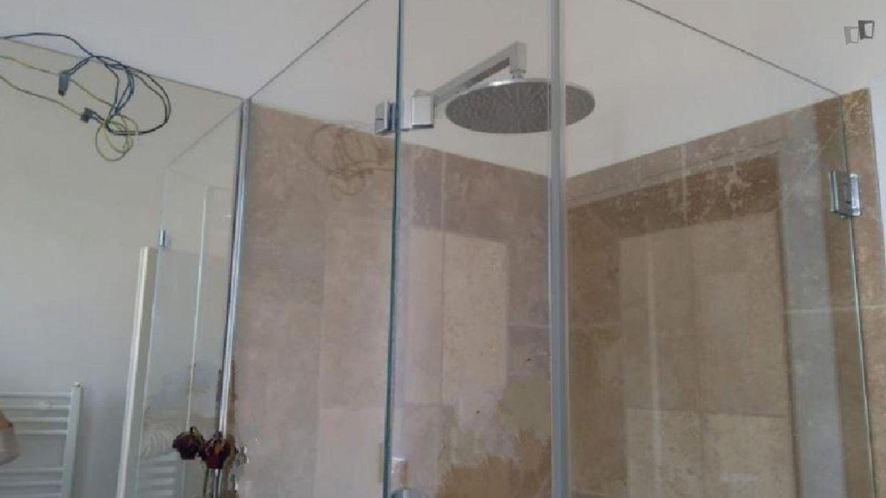 Double bedroom in a 4-bedroom apartment near Terzo Giardino